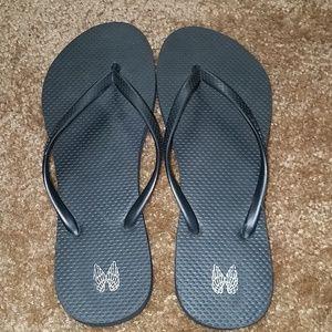 Victoria's Secret Black Flip Flops-sz 8-9 (L)